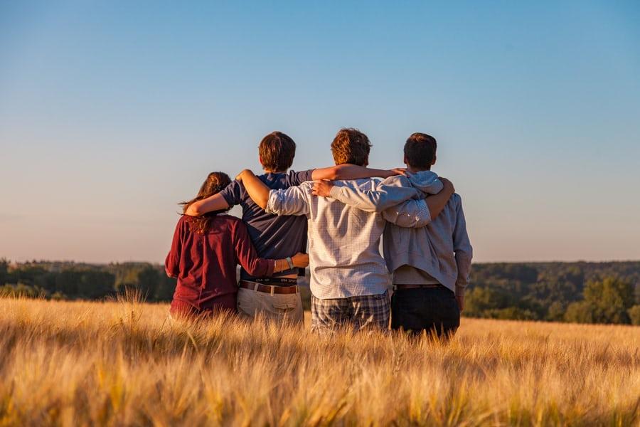 friends holding togheter
